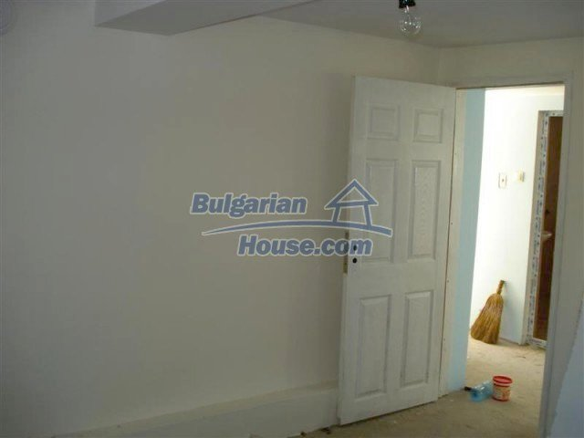 10311:14 - Cozy renovated Bulgarian properties at very low price