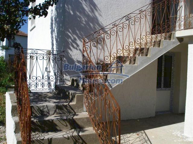 10311:20 - Cozy renovated Bulgarian properties at very low price