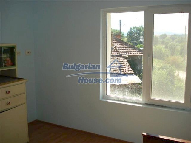 10311:24 - Cozy renovated Bulgarian properties at very low price