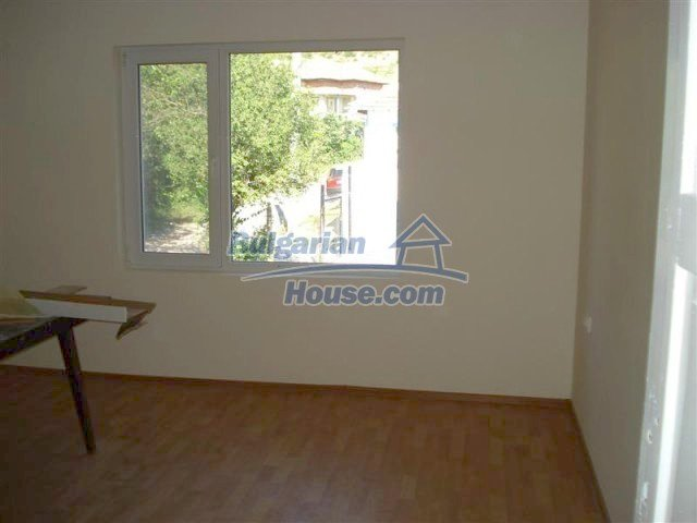 10311:25 - Cozy renovated Bulgarian properties at very low price