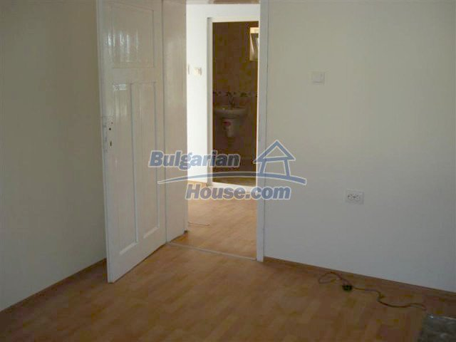 10311:26 - Cozy renovated Bulgarian properties at very low price
