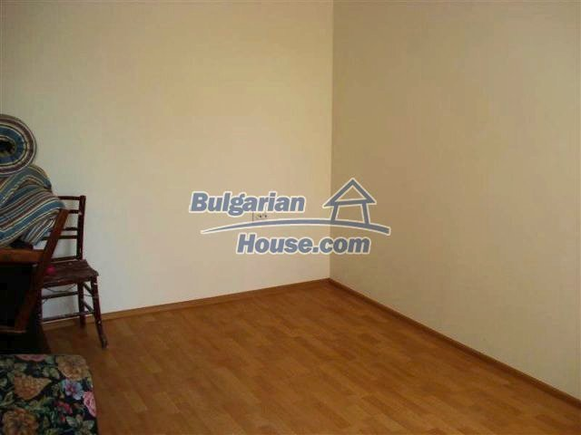10311:27 - Cozy renovated Bulgarian properties at very low price