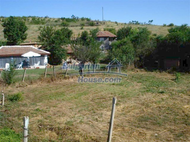 10311:36 - Cozy renovated Bulgarian properties at very low price