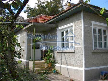 10316:1 - Cheap Bulgarian property near Black Sea- Varna with huge garden