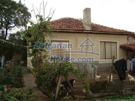10318:1 - BARGAIN!This Bulgarian property for sale in Varna region will go