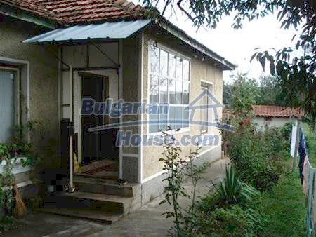 10318:3 - BARGAIN!This Bulgarian property for sale in Varna region will go