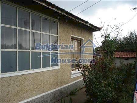 10318:4 - BARGAIN!This Bulgarian property for sale in Varna region will go
