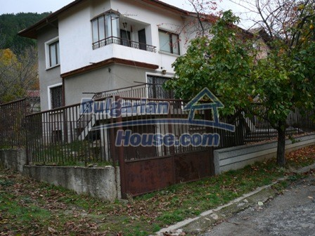 10336:2 - Bulgarian Property for sale near forest and dam lake