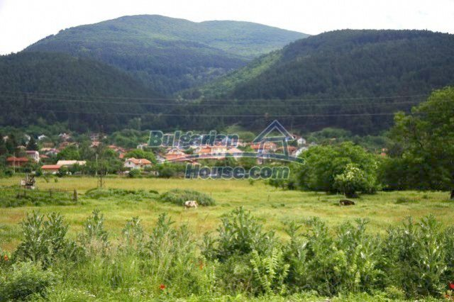 10336:32 - Bulgarian Property for sale near forest and dam lake
