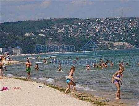 10352:16 - Searching for a property at the Black Sea Coast of Bulgaria