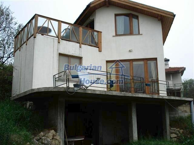 10354:1 - Property in the reach of a hand from the Black Sea coast