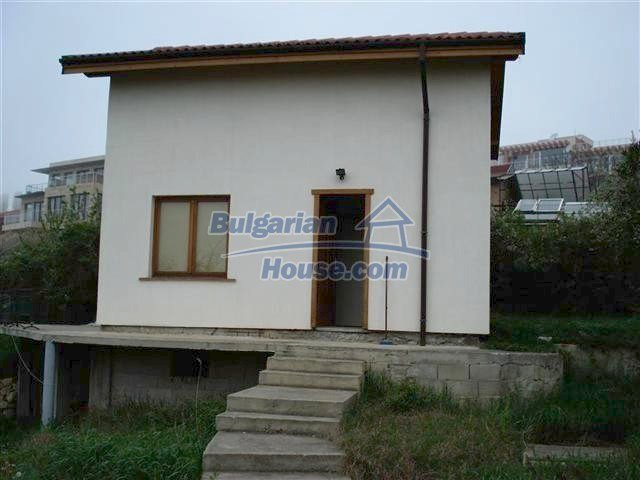 10354:4 - Property in the reach of a hand from the Black Sea coast