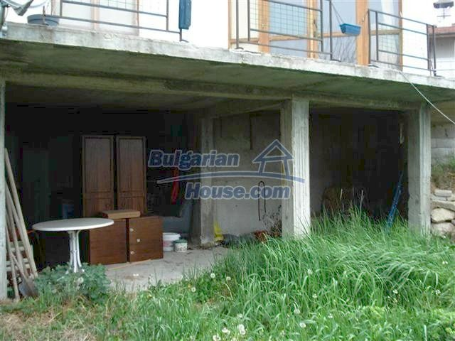 10354:6 - Property in the reach of a hand from the Black Sea coast