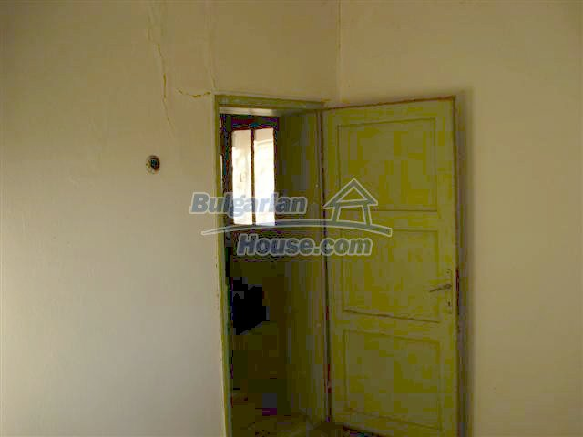 10390:13 - Extremely cheap Bulgarian house only few km away from Elhovo
