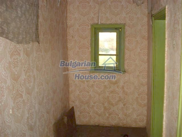 10390:14 - Extremely cheap Bulgarian house only few km away from Elhovo