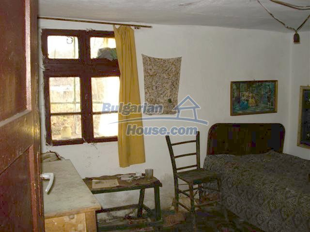 10390:8 - Extremely cheap Bulgarian house only few km away from Elhovo