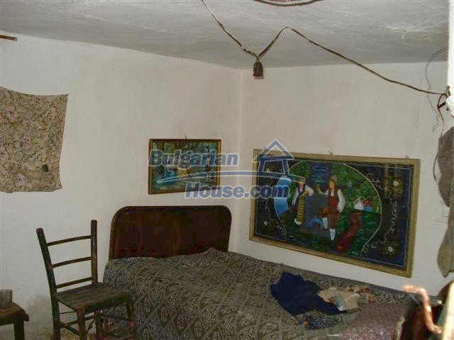 10390:9 - Extremely cheap Bulgarian house only few km away from Elhovo