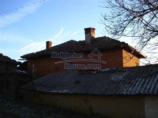 10390:16 - Extremely cheap Bulgarian house only few km away from Elhovo