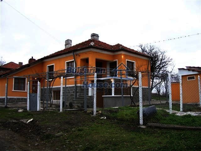 10396:1 - Rural Bulgarian house at the Black Sea