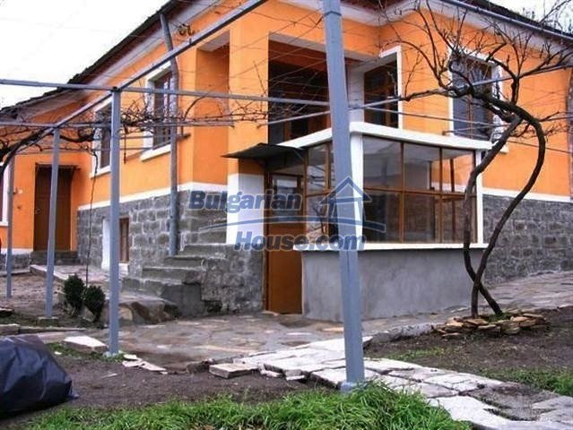 10396:2 - Rural Bulgarian house at the Black Sea