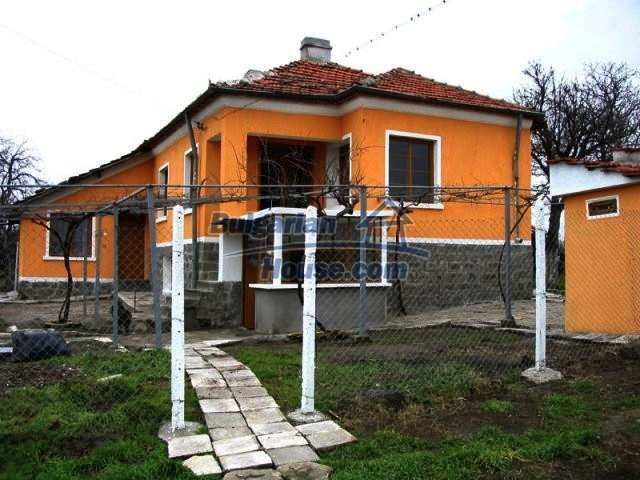 10396:3 - Rural Bulgarian house at the Black Sea
