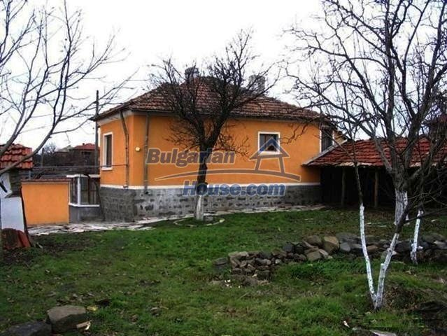 10396:7 - Rural Bulgarian house at the Black Sea