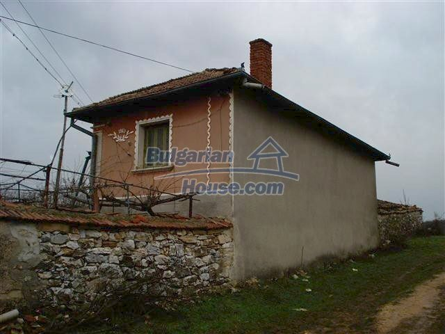 10404:3 - Nice countryside Bulgarian property