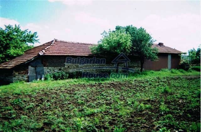 10405:4 - Great countryside 2-storey Bulgarian house