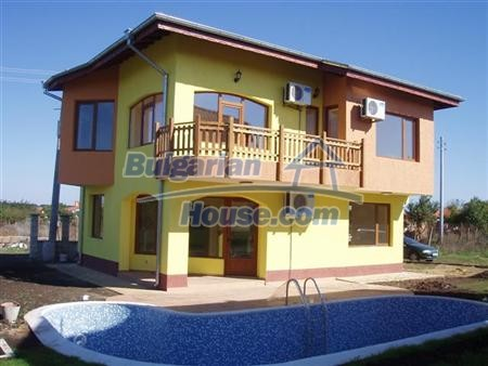 10420:1 - Extremely hot offer- Bulgarian house at the sea