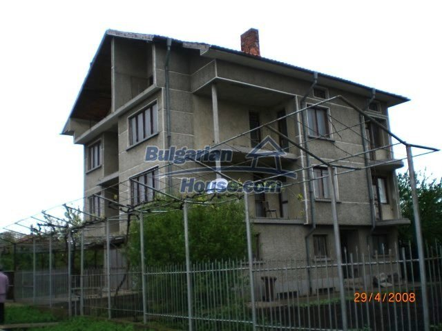 10427:2 - Enormous Bulgarian house awaits you