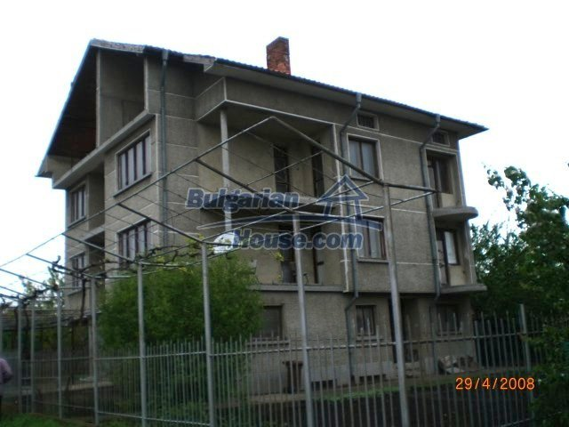 10427:3 - Enormous Bulgarian house awaits you