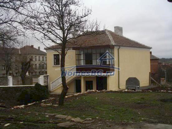 10432:5 - House For Sale Near Elhovo