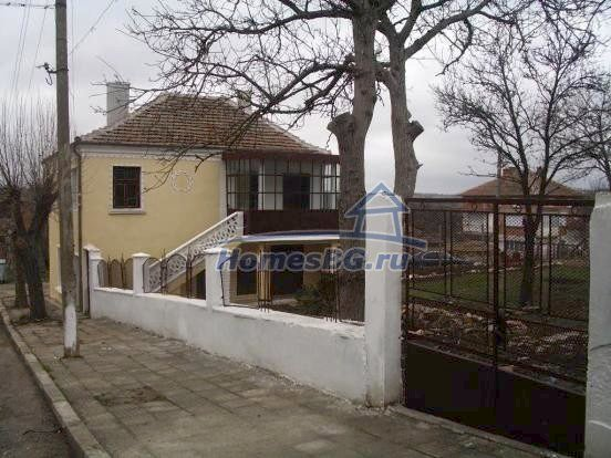 10432:8 - House For Sale Near Elhovo