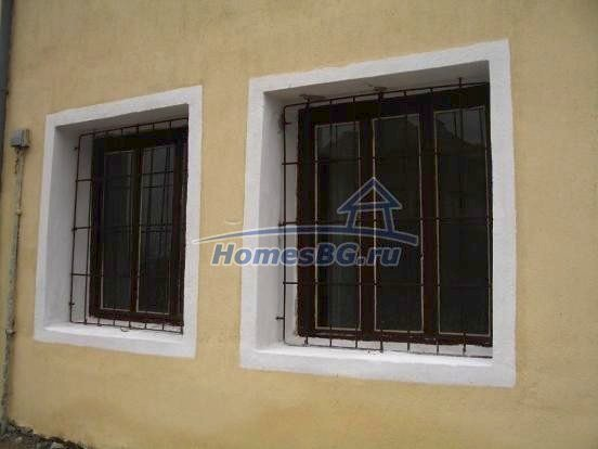 10432:9 - House For Sale Near Elhovo