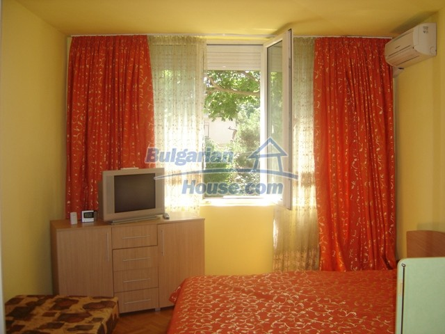 10444:1 - Furnished Bulgarian property for sale at the center of Burgas