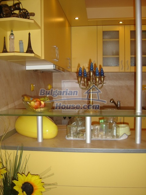 10444:10 - Furnished Bulgarian property for sale at the center of Burgas