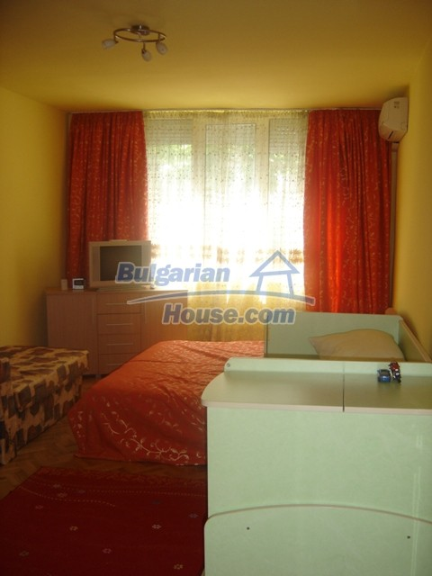 10444:11 - Furnished Bulgarian property for sale at the center of Burgas