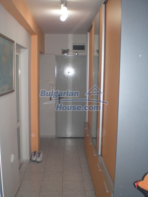10445:11 - Apartment near the sea in Burgas city