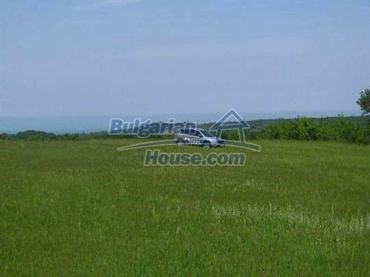 10451:1 - Development bulgarian land suitable for building near Burgas and