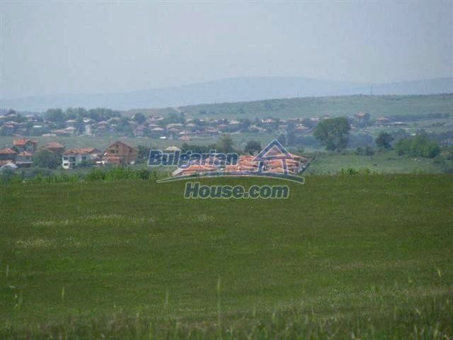 10451:12 - Development bulgarian land suitable for building near Burgas and