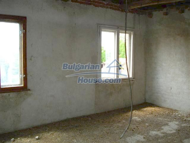 10477:11 - Cozy Bulgarian house for sale in Sliven region