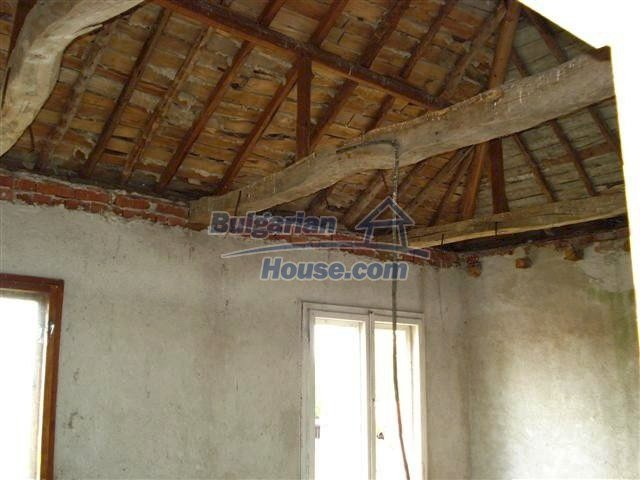 10477:12 - Cozy Bulgarian house for sale in Sliven region