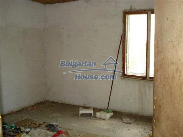 10477:13 - Cozy Bulgarian house for sale in Sliven region