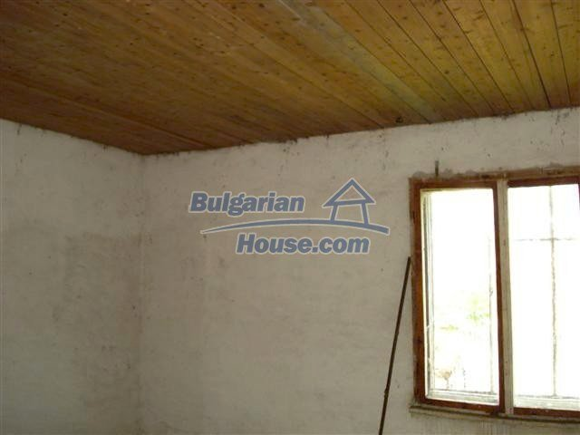 10477:14 - Cozy Bulgarian house for sale in Sliven region