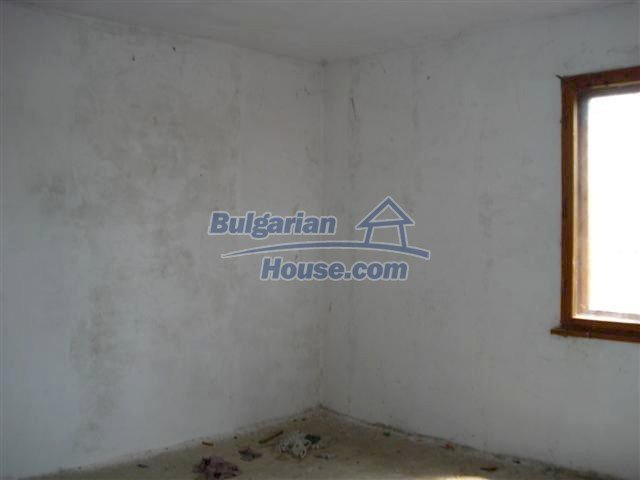 10477:15 - Cozy Bulgarian house for sale in Sliven region