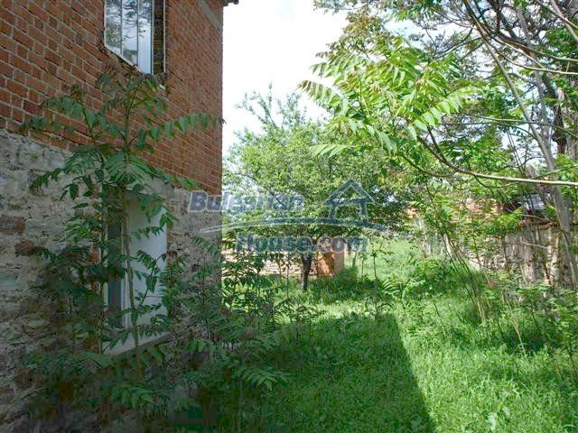 10477:16 - Cozy Bulgarian house for sale in Sliven region