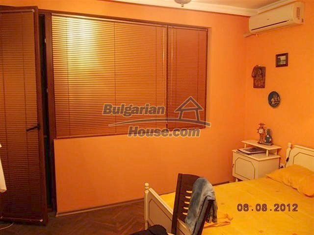10504:10 - Two bedroom bulgarian apartment for sale 5 minutes from city Cen