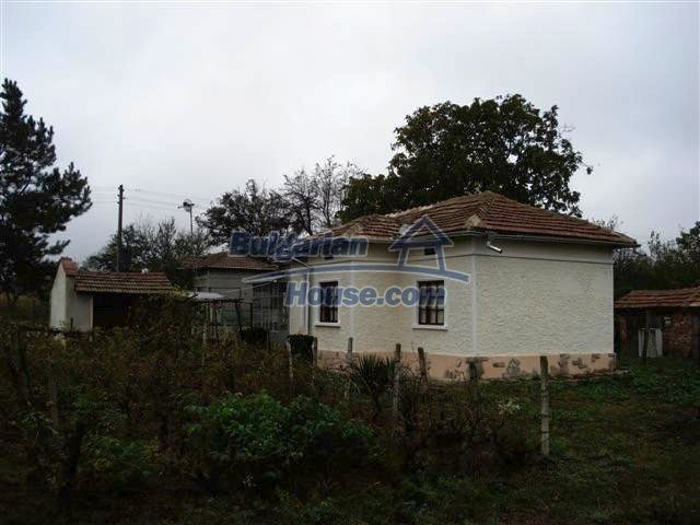 10516:35 - Renovated Bulgarian property for sale near General Toshevo