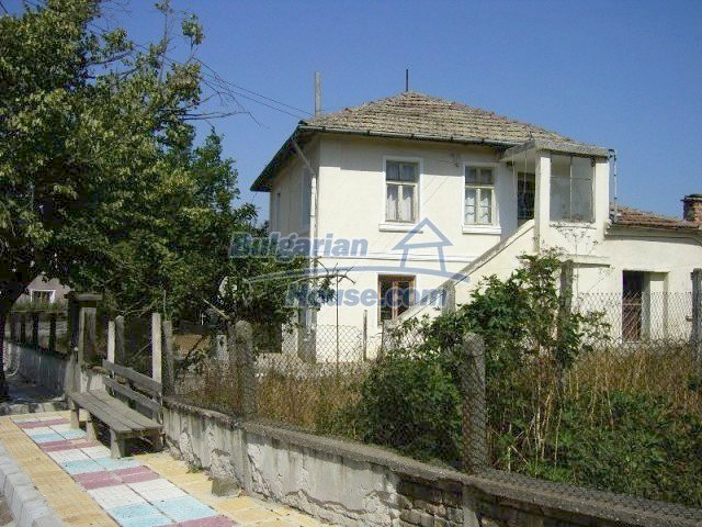 10550:1 - House for sale 10km from the sea and Sozopol, Burgas region