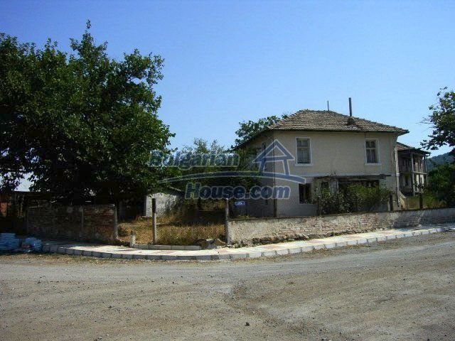 10550:5 - House for sale 10km from the sea and Sozopol, Burgas region